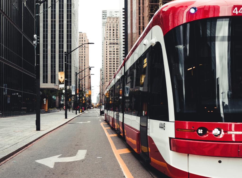 commuter's guide streetcar, toronto,