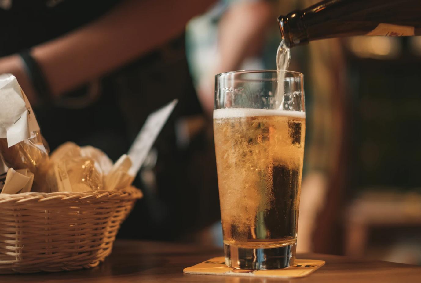 grab a drink pint of beer