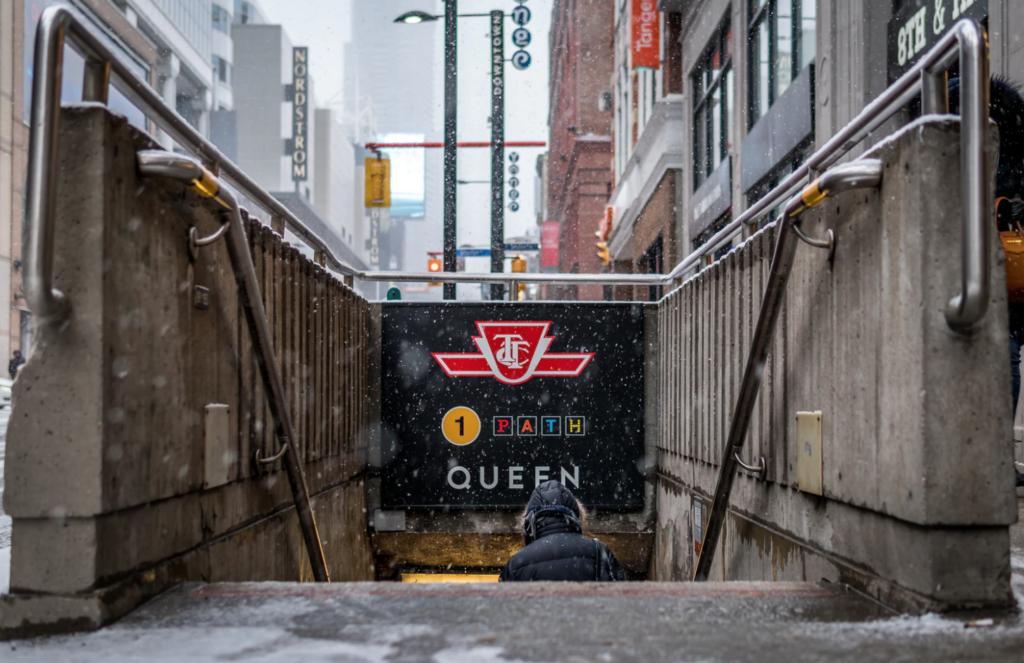 commute downtown toronto subway