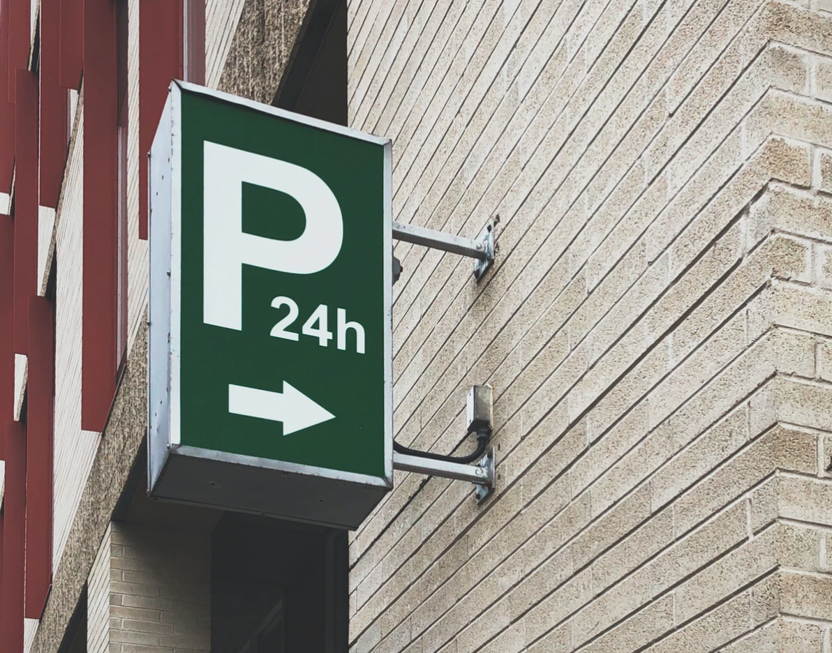 parking sign 24 hours